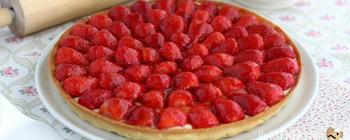 Strawberries are back! Enjoy them with this delicious tart!