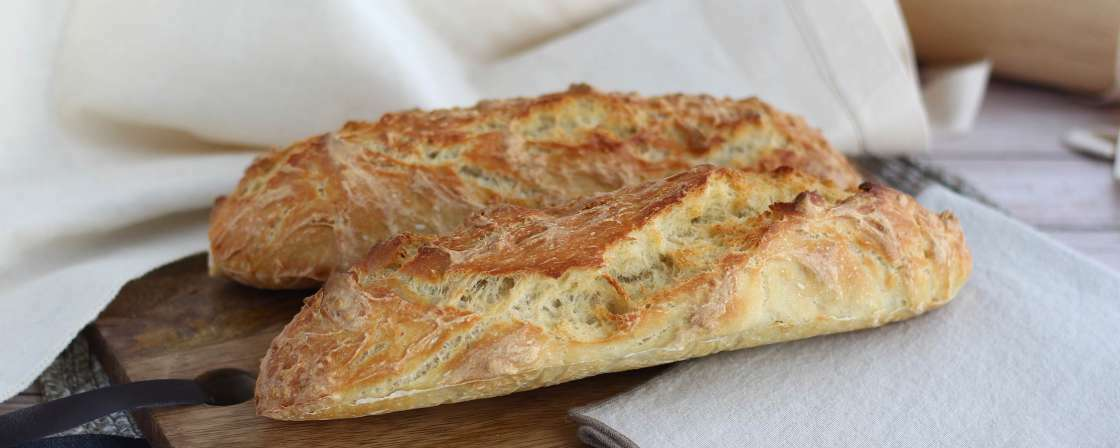 Easy french baguettes - no-knead !