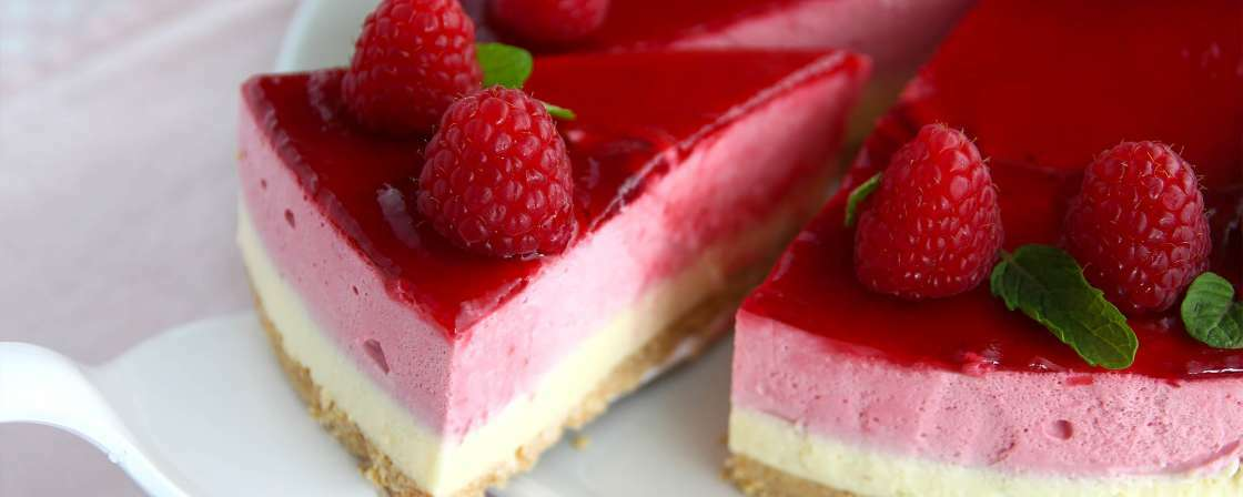 Raspberry mousse cake - Steps & video