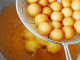 Recipe Khanom khai nok gata (deep-fried sweet potato balls)