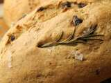 Recipe Rosemary & raisin bread and cheese & black pepper bread