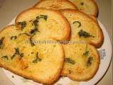 Recipe HOMEMADE GARLIC BREAD WITH BREAD SLICES