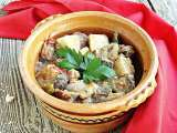 Recipe Macedonian-style vegetable and meat stew {turli tava}