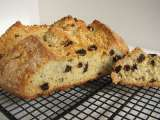 Recipe American-style irish soda bread with raisins and caraway seeds