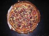 Recipe Quiche with bacon, mushrooms, red onions, cream + a mixed salad