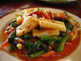 Recipe Stir-fried squid with roasted chili paste (pla meuk pad nam prik paw)