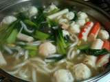 Recipe Seafood noodle hot pot (steamboat)
