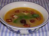 Donna hay's fennel & tomato soup with haloumi croutons