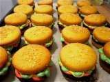 Recipe The Perfect BBQ Dessert: Cupcake Burgers!