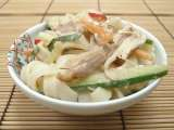 Recipe Asian noodle salad with peanut dressing