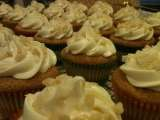 Recipe White chocolate macadamia nut cupcakes with white chocolate buttercream