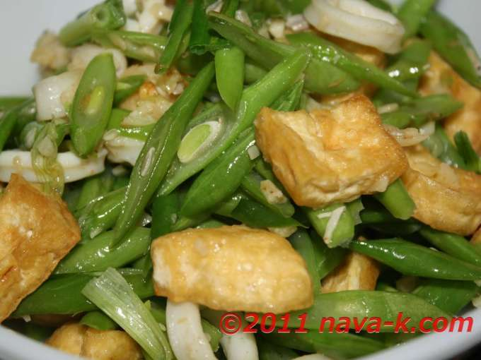 French beans stir-fried with tofu and squids