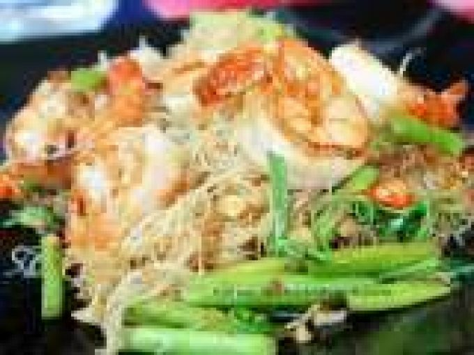 Stir Fried Thin Rice Noodles With Shrimp And Water Mimosa