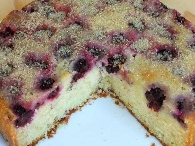 Blackberry buttermilk cake, Recipe Petitchef