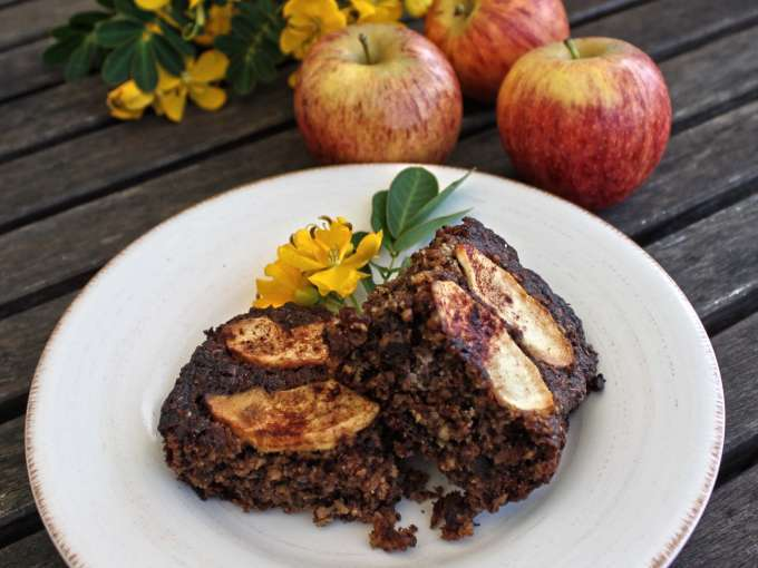 Chai apple and oat cake – sugar free, dairy free
