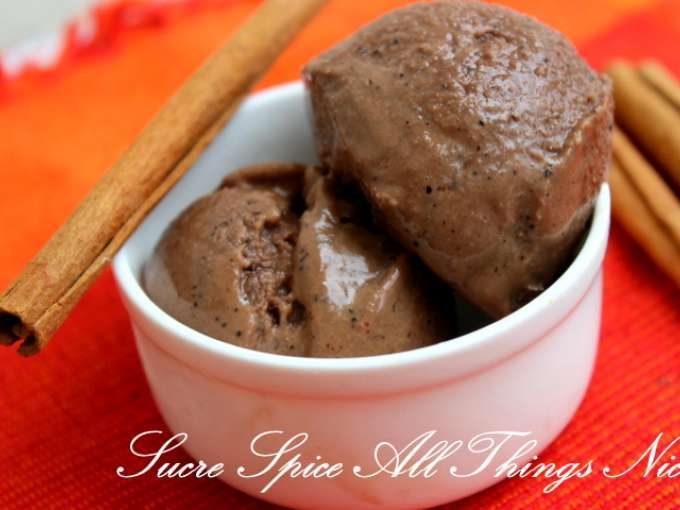 Spicy dark chocolate ice cream -eggless