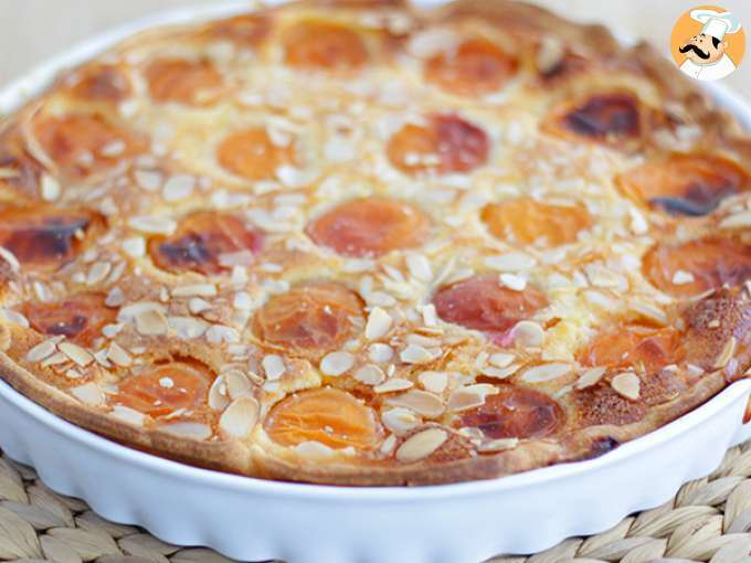 Apricot and almonds tart - video recipe !