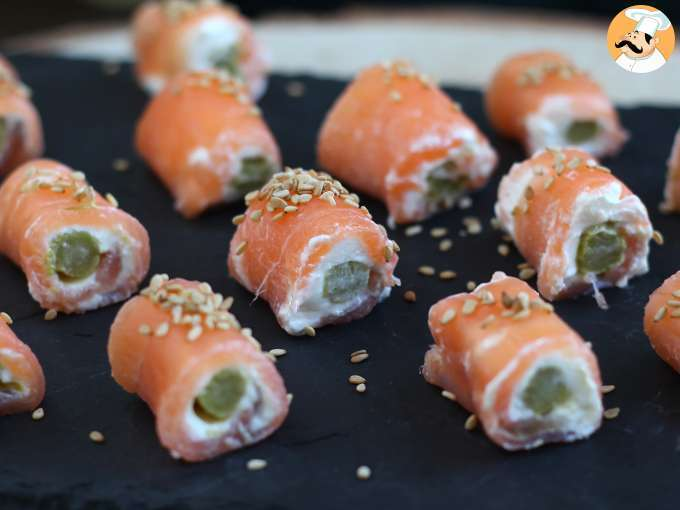 Salmon rolls with goat cheese - video recipe !