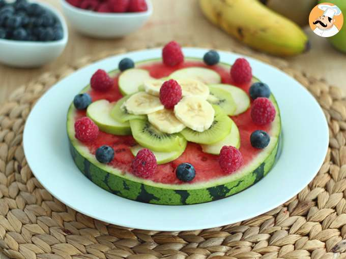 Watermelon pizza, the pretty fruit salad