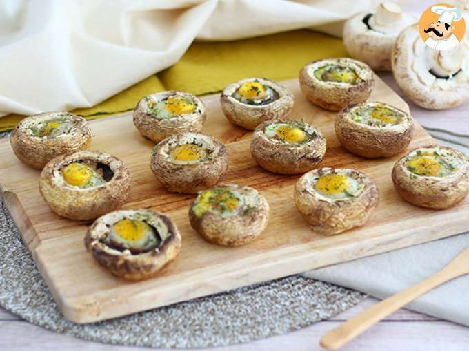 Mushrooms with quail eggs