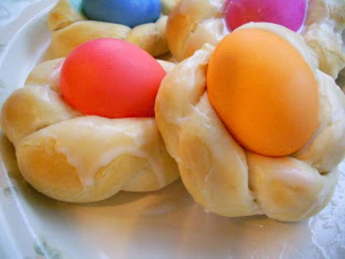 Easter bread baskets