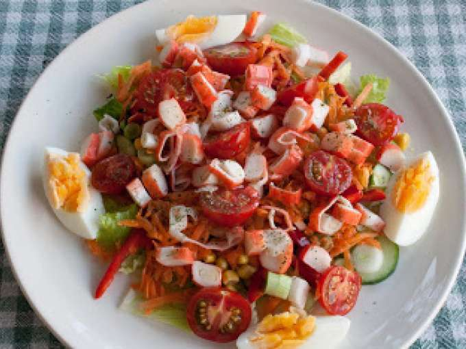 Салат вкусный и дешевый рецепт с