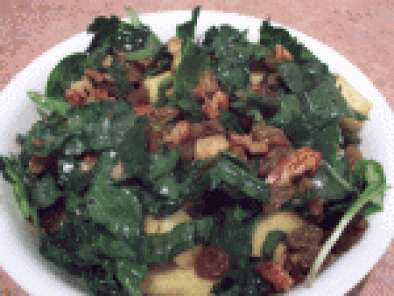 Kale with ginger gold apples salad
