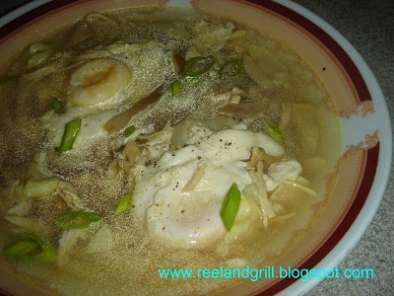 Recipe Suam na itlog (egg drop soup with chicken and mushroom)