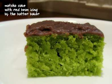 Recipe Matcha cake with red bean icing