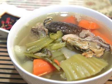 Recipe Mustard greens and dried oyster soup