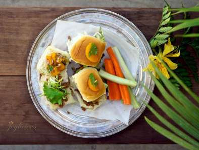Recipe Hawaiian pork sandwiches