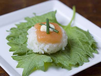Recipe How to make temarizushi (ball-shaped sushi)