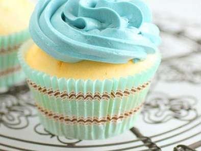 Recipe More inspiration from donna hay - blue cupcakes