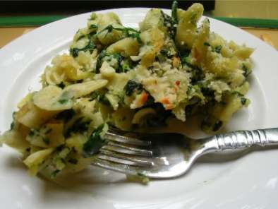 Recipe Spinach egg noodle casserole: rachael ray again