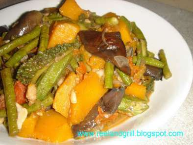 Recipe Ginisang gulay or pakbet/pinakbet tagalog (sauteed vegetables with fish paste)