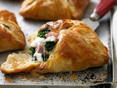 Recipe Quick & easy savoury chicken parcels
