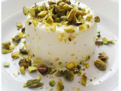 Recipe Coconut panna cotta with chopped pistachios