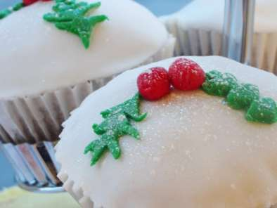 Recipe Eggless christmas cupcakes