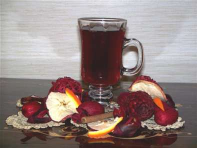Recipe Glugg, spiced wine for holiday greetings