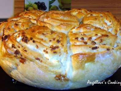 Recipe Boyar round loaf with feta cheese