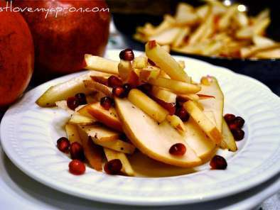 Recipe Christmas salad - apple, pear, and pomegranate