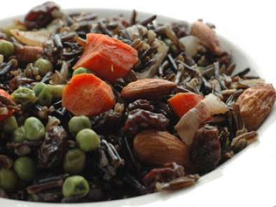 Recipe Wild rice with almonds and raisins