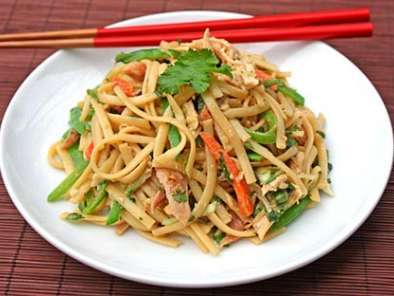 Recipe Chinese noodle and chicken salad