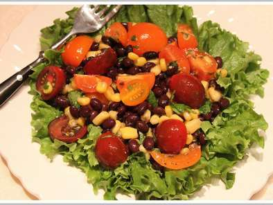 Recipe Mexican salad with honey-lime dressing