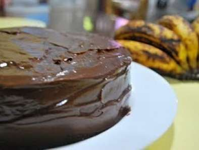 Recipe Chocolate banana cake with chocolate ganache frosting