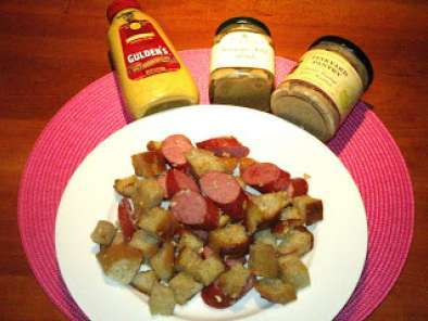 Recipe Smoked sausage and garlic bread appetizer