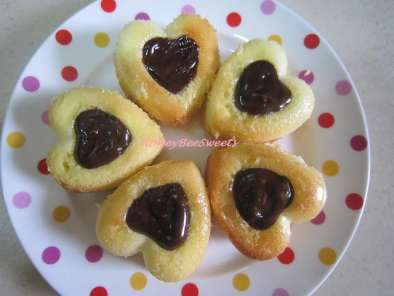 Recipe Mini genoise cakes with dark chocolate ganache