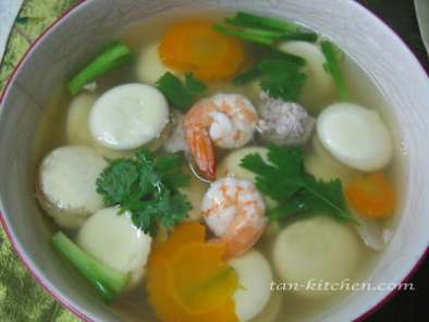 Recipe Thai clear soup with roll egg (kang jued look-rok)