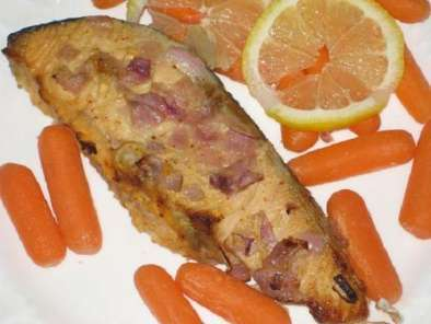 Recipe Baked salmon with mustard sauce and onions