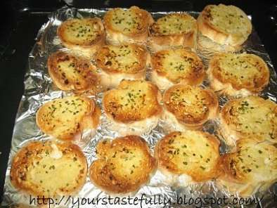 Recipe Home made garlic bread (never been so easy)